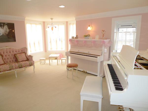 ドレミ音楽教室 婦中教室 ピンクのお部屋2